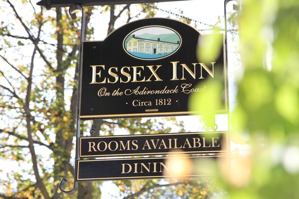 Essex Inn sign