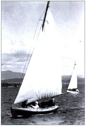 Koert Burnham sailing a Cape Cod Knockabout (Credit: Essex on Lake Champlain by David C. Hislop Jr.)