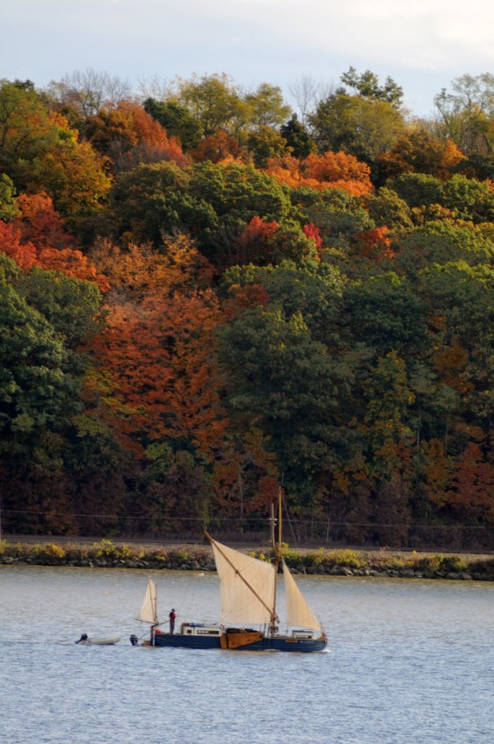 The Vermont Sail Project's ship Ceres, a 39-foot-long sail barge, traveling down the Hudson River. (Photo by Jim Peppler)