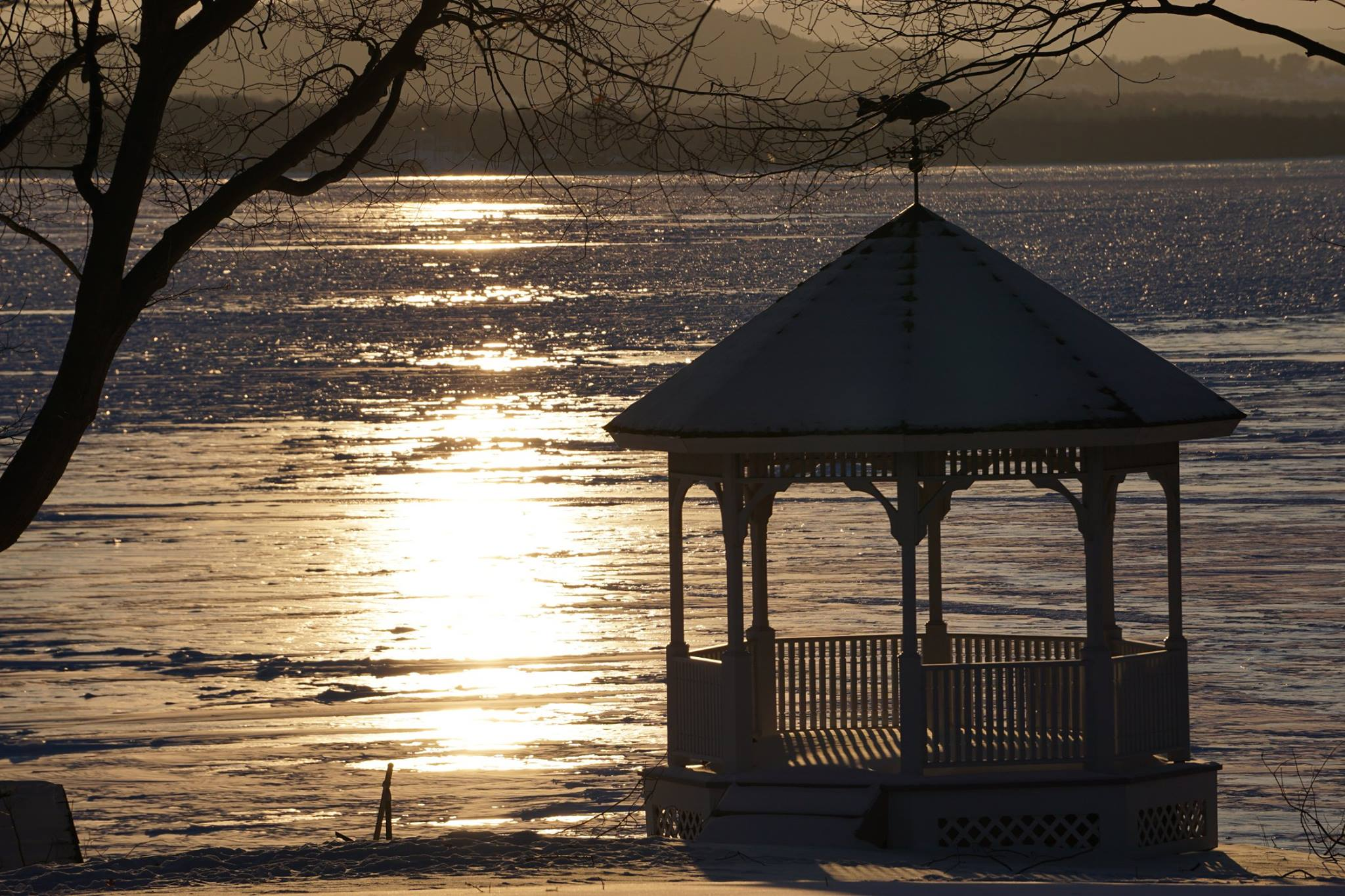 Frozen Lake Champlain winterscape on February 16, 2015.  (Credit: Deb Lansing)