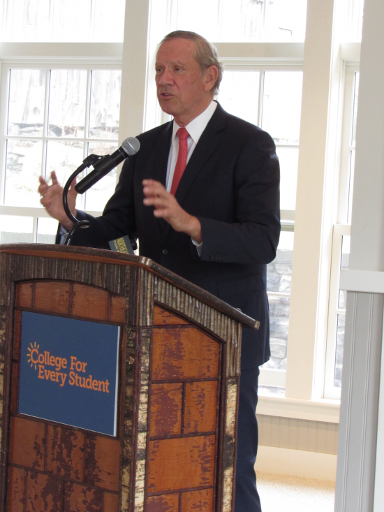 George Pataki delivering keynote address at the summit (Credit: CFES)
