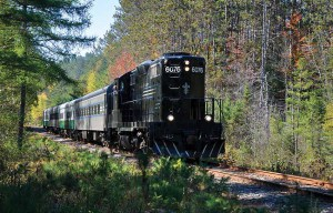 Adirondack-Tourist-Train (Credit: Susan-Bibeau)