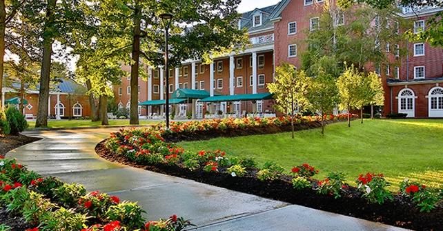 Gideon Putnam Hotel
