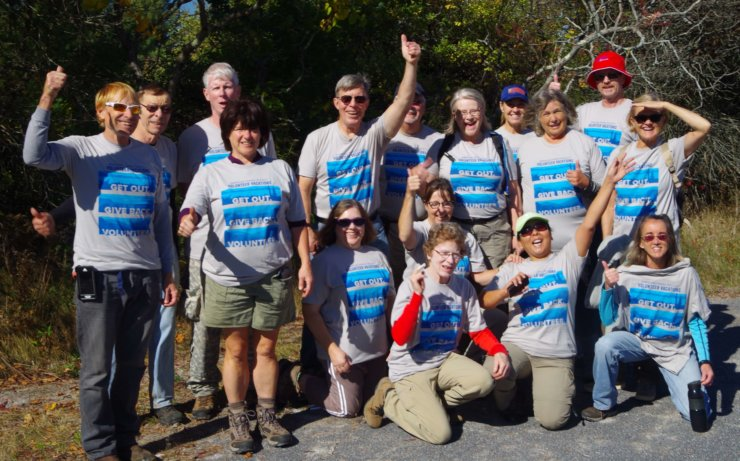 Volunteers from the American Hiking Society