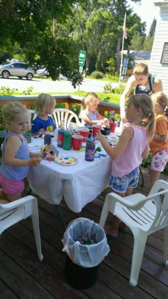 Children participating in the 2016 Children's Art Program at the Adirondack Art Association (Credit: AAA)