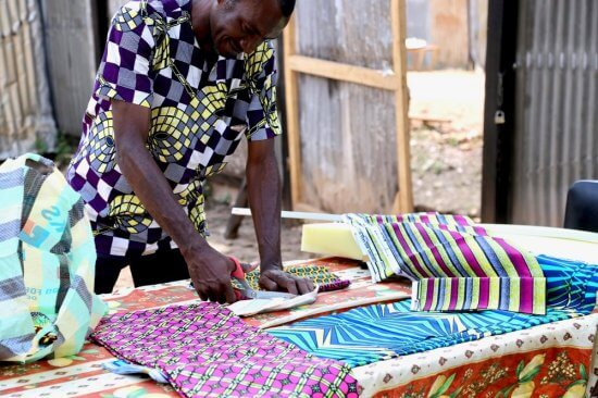Ndara artisan in Central African Republic (Source: www.ndaratibeafrika.com)