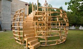 Randi Renate with Sculpture infrastructure